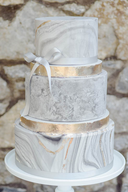 Sugarpaste Finish Wedding Cakes Cakes By Dawn