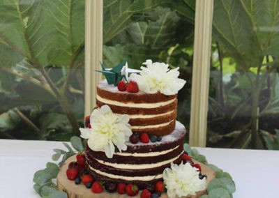 Naked Cake, berries and Fresh Flowers