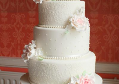 Sugarpaste, Lace and Roses