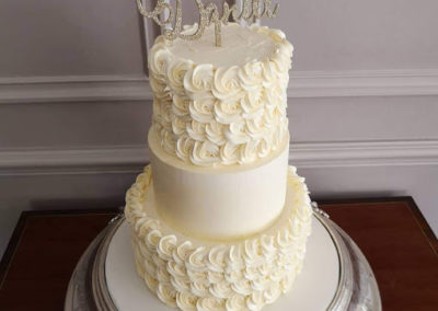 Rosette & Smooth Buttercream Dromquinna Manor